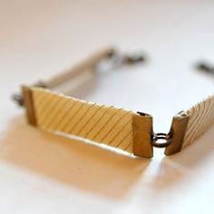 Mélanie Charlot a créé en exclusivité pour la Comédie-Française une collection de bracelets, colliers et bijoux de tête.
