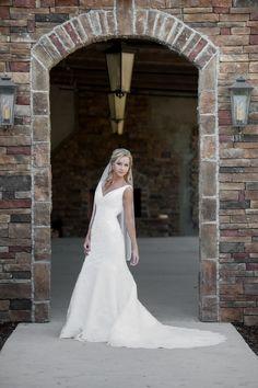 bridal, outdoor bridal, Alabama brides, Cullman wedding venue, Stone Bridge Farm, Alabama Wedding Photographer