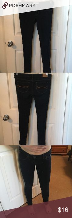 Abercrombie (kids) super stretch jegging Abercrombie kids stretch jegging- low rise- I wear sizes 0-4 (depends on style) and this size 16 fits like 0-2. Dark wash-Like new condition. *i am 5'1 so my jeans are longer on me, request specific measurements if needed. Abercombie Kids Jeans Skinny