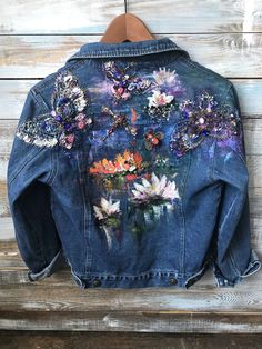 Painted Denim Jacket, Baby Girl Dress Patterns, Diy Fashion, Womens Fashion, Denim Crafts, Painted Clothes, Embellished Jeans, High Society, Classy Outfits