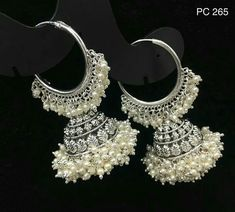 bridal jewelry for the radiant bride Indian Jewelry Earrings, Indian Jewelry Sets, Jewelry Design Earrings, Silver Jewellery Indian, Indian Wedding Jewelry, Fashion Earrings, Bridal Jewelry, Fashion Jewelry, India Jewelry