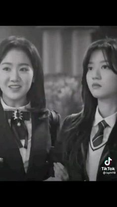 New Korean Drama, Korean Drama Songs, Korean Drama Funny, Crying Aesthetic, Aesthetic Songs, Good Morning Video Songs, Lee Min Ho Dramas, Hyun Soo, Song Joon Ki