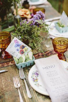 Ideas Wedding Favors Country Table Settings For 2019 Country Table Settings, Beautiful Table Settings, Wedding Table Settings, Place Settings, Table Wedding, Seed Wedding Favors, Farm Wedding, Rustic Wedding, Garden Wedding