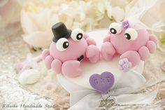 bride and groom crabs wedding cake topper