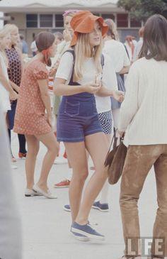 High school fashions in 1969
