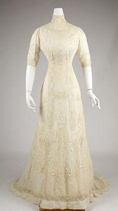 Dress  Date: 1907–8 Culture: American Medium: linen, cotton.  Credit Line: Gift of Mr. John Holden, 1959!!!