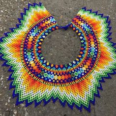 Beaded Necklace Patterns, Seed Bead Patterns, Beading Patterns, Crochet Earrings, Seed Bead Necklace, Seed Beads, Bead Necklaces, Col Crochet, Colorful Rangoli Designs