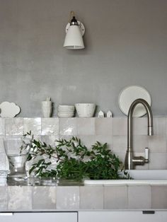 Tile Color Spotlight: Add Neutral Appeal With French Linen | Fireclay Tile Design and Inspiration Blog | Fireclay Tile Deco Design, Küchen Design, House Design, Interior Design, Tile Design, Design Ideas, Grey Kitchens, Cool Kitchens, Kitchen Tiles