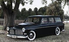 I want this breathtaking classic ford trucks Volvo Wagon, Volvo Cars, Bmw Cars, Classic European Cars, Classic Cars, Classic Ford Trucks, Import Cars, Unique Cars, Car Manufacturers