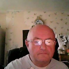 john greenwell has made a connection!  Chat @ starsingles.co.uk or starsecrets.co.uk.  Friends or #dating #starsingles
