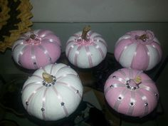 Breast cancer awarenes pumpkins Pink Pumpkin Party, Pumpkin Birthday Parties, Baby In Pumpkin, Pink Pumpkins, Painted Pumpkins, Foam Pumpkins, Fall Door Decorations, Halloween Decorations, Pumpkin Decorations