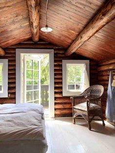 my scandinavian home: Could This Hygge Danish Log Cabin Be Your Holiday Home? my scandinavian home: Could This Hygge Danish Log Cabin Be Your Holiday Home? Log Cabin Living, Log Cabin Homes, Log Cabins, Scandinavian Home, Cabins In The Woods, Maine House, Home Interior, Logs, Home Design