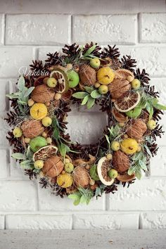 A nice wreath at the front door will decorate your house or kitchen, as well as be a wonderful gift for your loved ones! The wreath is made with love, carefully selected materials that would make a beautiful decoration for your home! The decoration on the door is made of artificial apples, nuts, pine cones are arranged in a circle. Also, the wreath complements apricot bones, rubber, artificial branches of greens and sisal. If you value handmade products or like rustic style, then this…