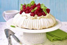 Pavlova torta Baked Meringue, Meringue Cake, Just Cooking, Cooking Time, Mascarpone Cream Cheese, Raisin Cake, Pavlova Cake, Baking Classes, Big Cakes