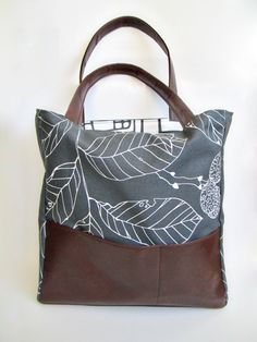 Large Handbag by janeelookerse on Etsy.