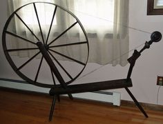 Antique large pine Spinning Wheel complete with spindle