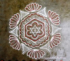 Rangoli and Art Works: FREEHAND KOLAM Free Hand Rangoli Design, Small Rangoli Design, Rangoli Designs Diwali, Rangoli Designs With Dots, Rangoli Designs Images, Kolam Rangoli, Flower Rangoli, Beautiful Rangoli Designs, Padi Kolam