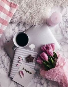 Coffee And Books Cover Photo coffee beans flatlay. Flat Lay Photography, Coffee Photography, Nature Photography, Fashion Photography, Travel Photography, Photography Ideas, Photography Flowers, Wedding Photography, Breakfast Photography