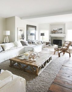 Inspiration #déco pour une grande pièce à vivre ! #sobre #blanc #salon #bois http://www.m-habitat.fr/par-pieces/salon-et-salle-a-manger/idees-deco-pour-votre-salon-2636_A