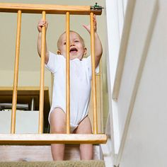 Baby gate injuries have nearly QUADRUPLED in the past 20 years. 4 ways to make s… Baby gate injuries have nearly QUADRUPLED in the past 20 years. 4 ways to make sure you're using yours correctly (and keeping Baby safe). Baby Safety, Child Safety, Safety Tips, Safety Bed, Family Safety, Toddler Proofing, Raising Twins, American Baby, Baby Gates