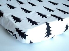 Drap de lit de bébé profilée changeant housse par LiliowaPracownia