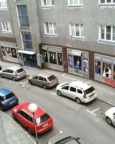 #avenue #redcar #bluecar #downtown #city #capitolcity