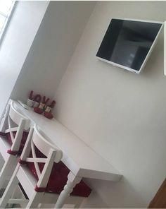 Beyaz mutfak, Kırmızı, Mutfak, Mutfak masası