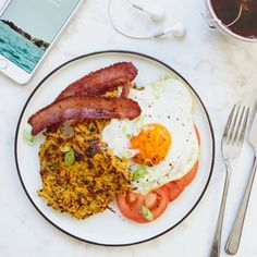 Sweet Potato Hash Browns, Bacon, Egg and Tomato - Madeleine Shaw