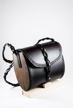 Handmade woman clutch Genuine leather and Wood Handmade work Leather Bag Pattern, Sewing Leather, Leather Purses, Leather Handbags, Leather Totes, Wooden Bag, How To Make Handbags, Leather Bags Handmade, Leather Projects