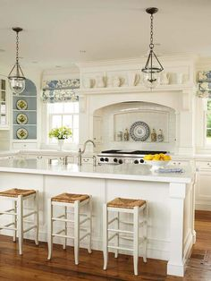 Love the look of this kitchen.