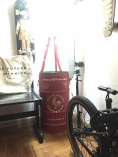 Sriracha #sriracha  #drum #oildrum #industrialdesign #barril #rebecaguerra #lata #decoração