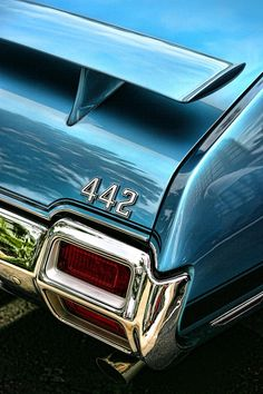 Muscle car (oldsmobile)