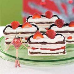 Strawberry Meringue Desserts Recipe. I really should try this, I've never had meringue!