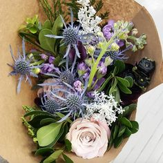 With handcrafted florals like these, we are always ready for the weekend! #FloristFriday | @poshpetalsgr