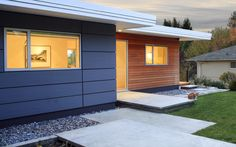 Exterior window details play a huge part in making a house look modern. Here are 6 modern exterior window details to choose from for your modern home. House Cladding, Timber Cladding, Exterior Cladding, House Siding, Wall Cladding, Modern Exterior, Exterior Design, Modern Windows, Exterior Makeover
