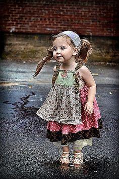Cute Little Girls Dress Precious Children, Beautiful Children, Beautiful Babies, Beautiful People, Beautiful Pictures, Cute Kids, Cute Babies, Look Fashion, Kids Fashion