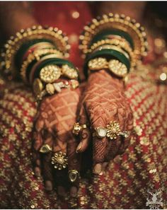 Stunning details from the mehendi to the jewellery, absolutely gorgeous! ❤️ Picture by