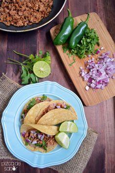 Tacos de carnitas de atún – menos de 15 minutos | http://www.pizcadesabor.com/2014/03/12/tacos-de-carnitas-de-atun-menos-de-15-minutos/