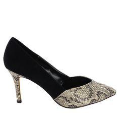 Zapato de tacón combinación ante y estampado serpiente con punta fina, en Negro. Combinable con cualquier look. Ref.6618 //Suede and snake print heel shoe with pointed toe, in Black. Suitable for any kind of look. Ref.6618