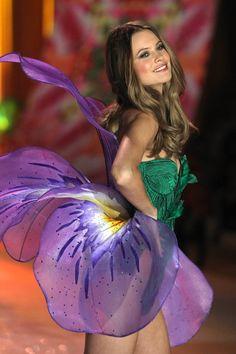 www.fashion2dream #sexy #lingerie victoria's secret runway