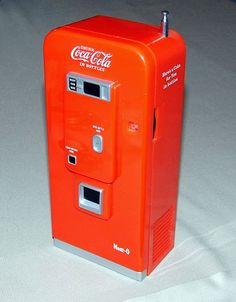 Vintage Coca-Cola Vending Machine AM-FM Novelty Transistor Radio by Neat-O