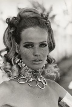 Veruschka von Lehndorff: босоногая графиня - Fashion Show 1960s Fashion, Fashion Models, Fashion Beauty, Beauty Style, Lauren Hutton, Patti Hansen, Foto Top, Photo D Art, Vintage Fashion Photography