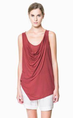 T - SHIRT MIT TIEFEM DEKOLLETEE - T - shirts - Damen - Neue Kollektion | ZARA Deutschland - 22,95 EUR - 100% LYOCELL
