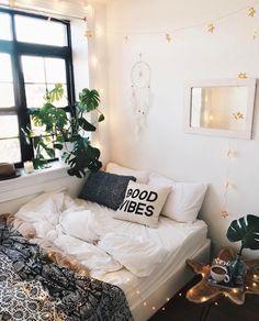 Via @urbanoutfitters ✨ #worldsuniquedesigns #loveit #design #interior #interiordesign #interiordesigner #bedroom #bedroomdecor #bedroomideas #bedroomstyle #bedroomstyling #bedroomideas #designlove #homedecor #homedecoration #decor #decoration #goodvibes #stylish #likepost #likelikelike