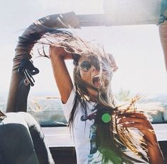 Freedom feels || Put the top down & breathe in the fresh air