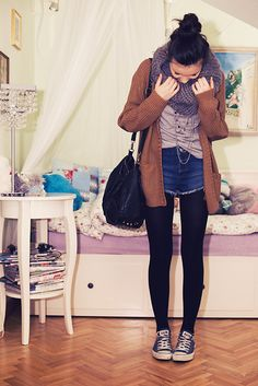How to wear shorts in winter tights outfit Ideas Shorts With Tights, Black Tights, Dress And Tights Outfit, Jeans Pants, Outfits With Converse, Cute Outfits, Winter Tights, Short En Jean, Hipster Fashion