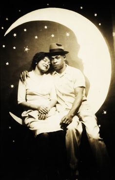 1940's couple on a paper moon. I think I would like to have a photo shot like this one day.  Its sooooo very sweet