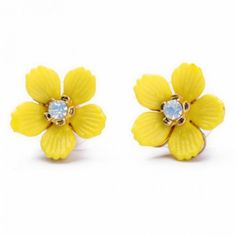 Adorable Yellow Daisy Earrings