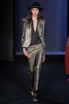 Zadig& Voltaire first ever fashion show   teaches how to wear head-to-toe gold and look effortless at the same time