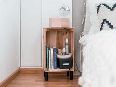 Tisch selbst bauen aus IKEA Produkten - 2 einfache DIY Ikea Hacks Diy Tisch, Ikea Hacks, Floating Nightstand, Bedroom, Creative, Table, Furniture, Home Decor, Design